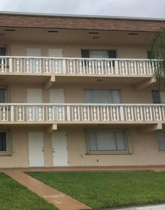 700 Village Green Court Unit 117, Palm Springs, FL - USA (photo 1)