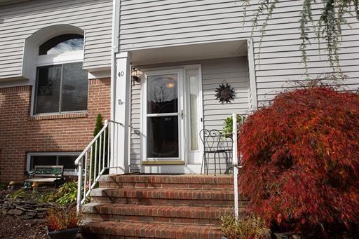 Condo/Townhouse - South Brunswick, NJ