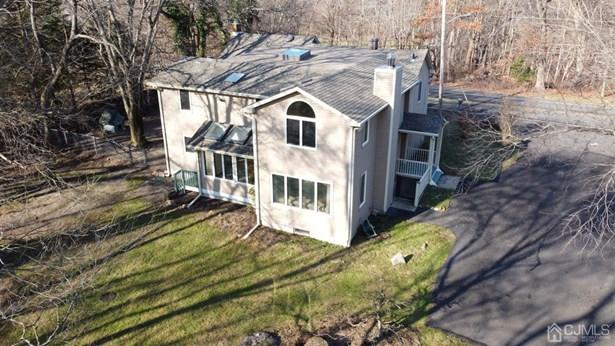 Single Family Residence, Colonial - East Brunswick, NJ