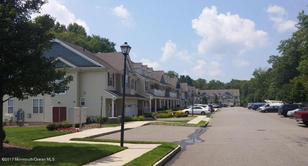 Condominium,Townhouse, Attached,Townhouse - Englishtown, NJ (photo 2)