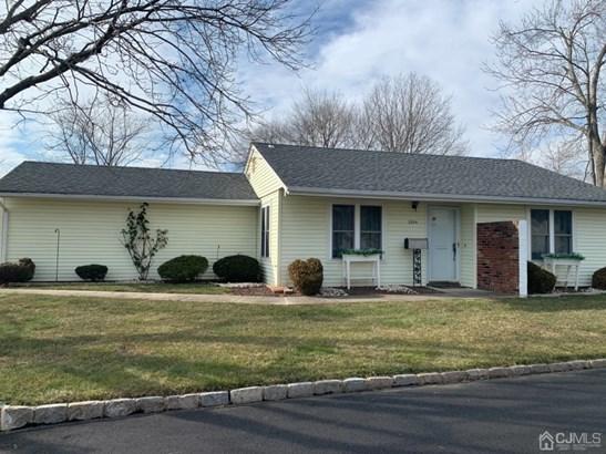 Single Family Residence, Ranch - Monroe, NJ