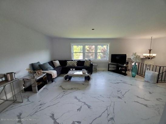Split Level, Single Family - West Long Branch, NJ