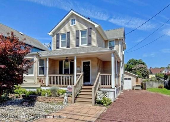 Colonial, Single Family - Oakhurst, NJ