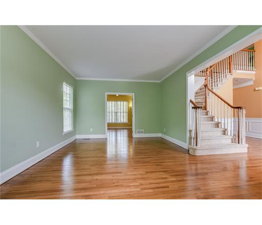 Residential, Colonial - 1204 - East Brunswick, NJ (photo 4)
