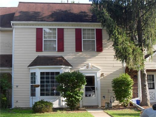Condo/Townhouse - East Brunswick, NJ