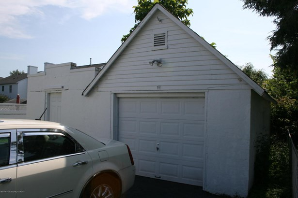 Cottage/Bungalow, Single Family,Detached - North Middletown, NJ (photo 5)