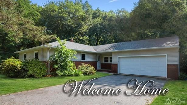 Single Family Residence, Ranch - East Brunswick, NJ