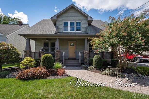 Single Family Residence - Edison, NJ