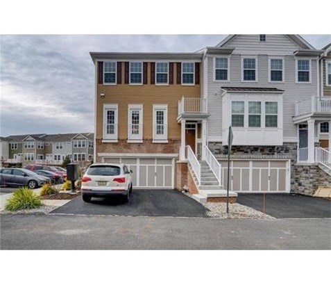 Condo/Townhouse - 1207 - Highland Park, NJ (photo 2)