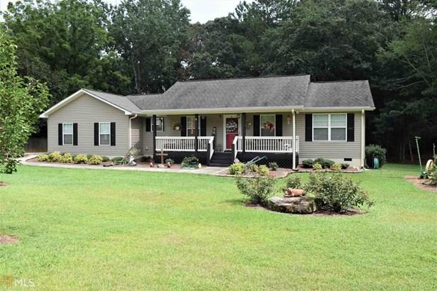 Single Family Detached, Ranch - Hull, GA