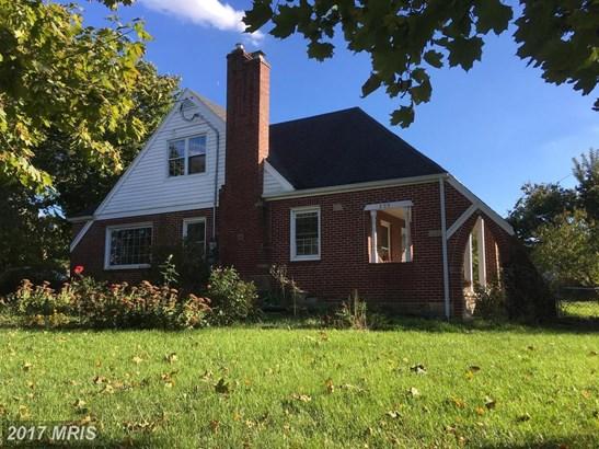 209 Washington St, Moorefield, WV - USA (photo 1)