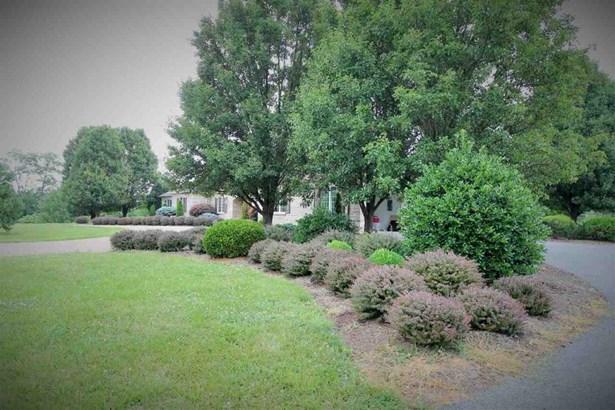 108 Meadow Ln, Fishersville, VA - USA (photo 3)