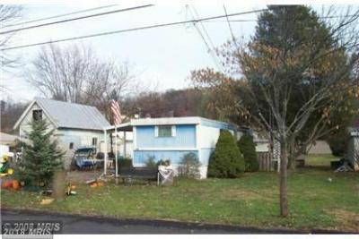 222 Chipley Ln, Moorefield, WV - USA (photo 2)