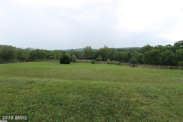 108 Meadow Ln, Fishersville, VA - USA (photo 4)