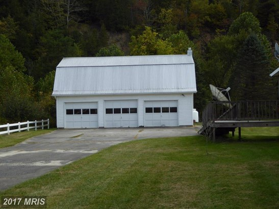 2927 Mount Freedom Dr, Circleville, WV - USA (photo 5)