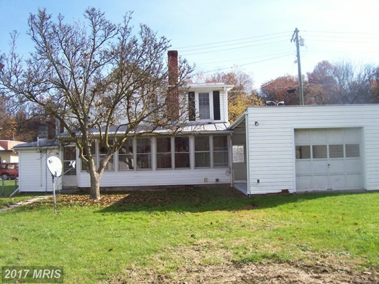 108 Clay St, Moorefield, WV - USA (photo 4)