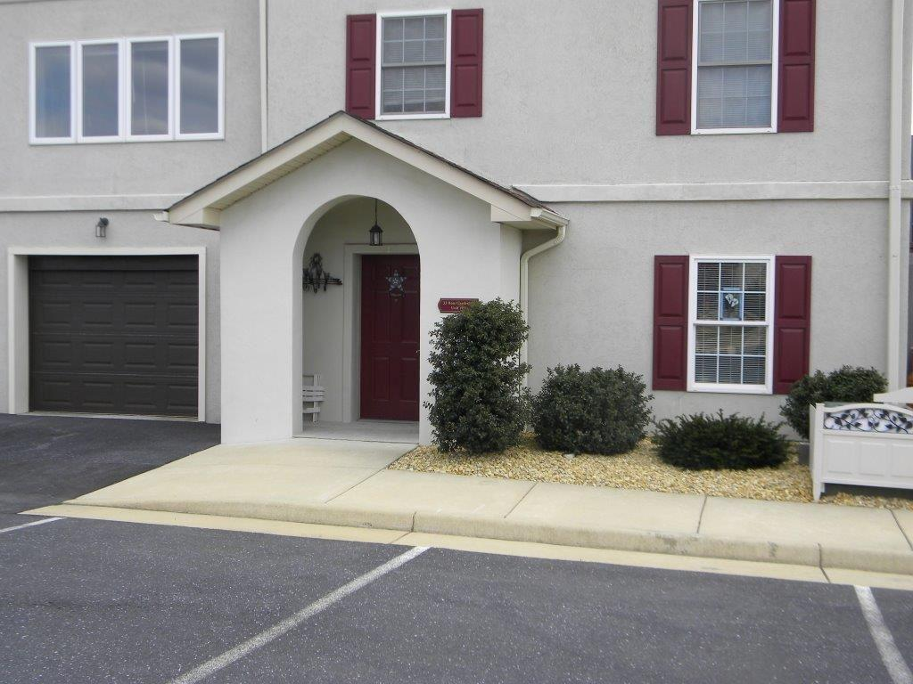 33 Rose Garden Ln 61, Fishersville, VA - USA (photo 1)