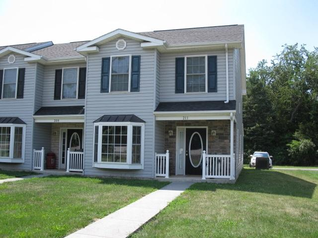 211 Aspen Ave, Grottoes, VA - USA (photo 1)