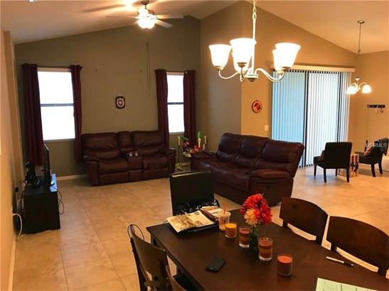 Single Family Home, Florida,Traditional - TAMPA, FL (photo 4)