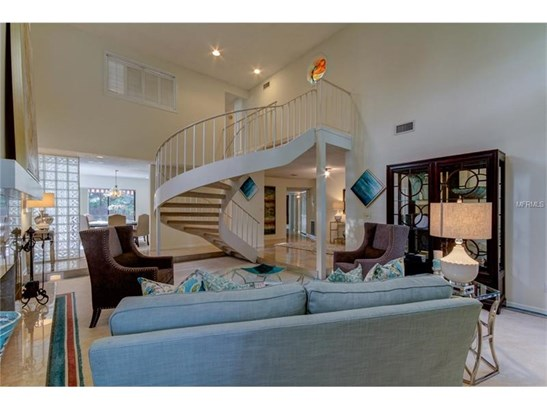 Single Family Home, Traditional - TAMPA, FL (photo 5)