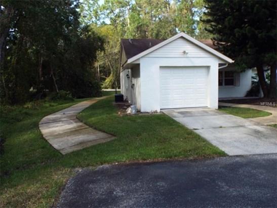 Single Family Home, Contemporary - NEW PORT RICHEY, FL (photo 3)