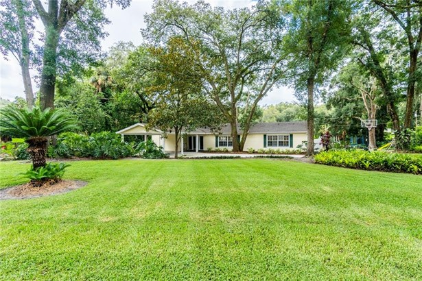 Ranch,Traditional, Single Family Residence - BRANDON, FL
