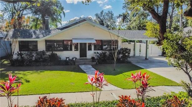 Single Family Residence, Bungalow - LAKELAND, FL