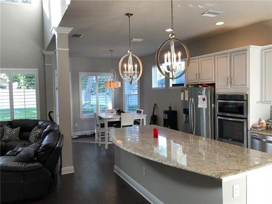 Single Family Home, Florida,Traditional - BRANDON, FL (photo 5)