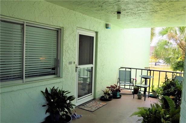 Condominium, Contemporary - LAKELAND, FL