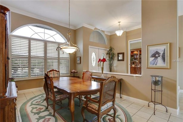 Single Family Residence, Traditional - WESLEY CHAPEL, FL (photo 4)