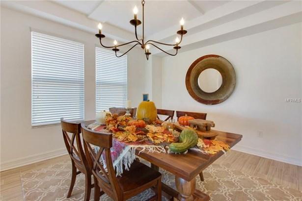 Single Family Home, Spanish/Mediterranean - WESLEY CHAPEL, FL (photo 4)