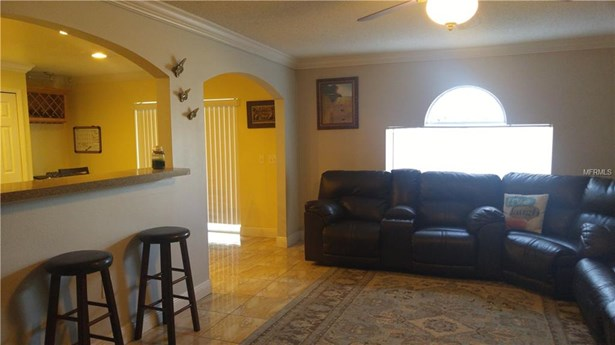 Single Family Residence, Traditional - RIVERVIEW, FL (photo 5)