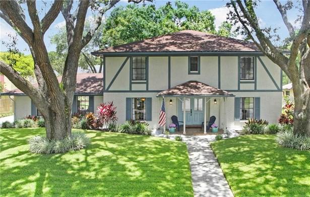 Single Family Residence, Traditional,Tudor - TAMPA, FL