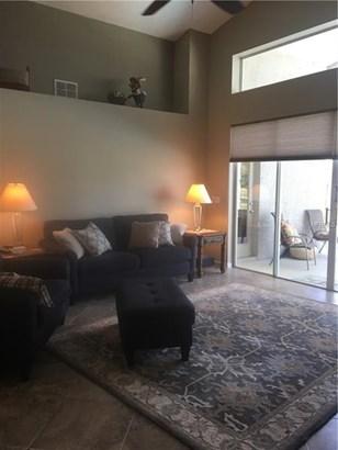 Single Family Residence, Contemporary - LUTZ, FL (photo 5)