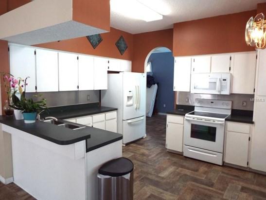 Single Family Residence, Contemporary - PALM HARBOR, FL (photo 2)