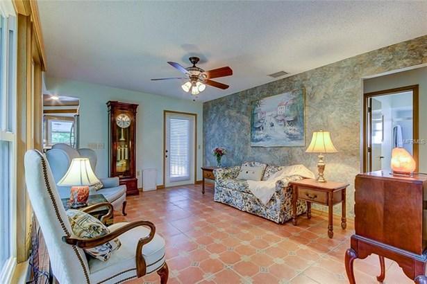 Single Family Residence, Florida - HOMOSASSA, FL (photo 5)