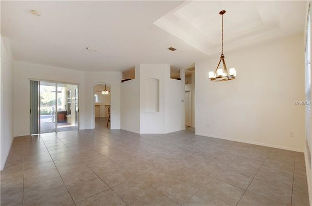 Single Family Home, Contemporary - VALRICO, FL (photo 3)