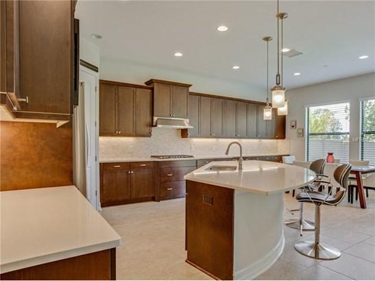 Single Family Home, Contemporary,Florida - WESLEY CHAPEL, FL (photo 3)