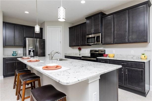 Single Family Residence, Craftsman - BRANDON, FL (photo 2)