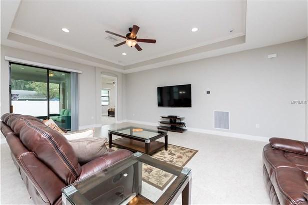 Single Family Residence, Craftsman - BRANDON, FL (photo 3)