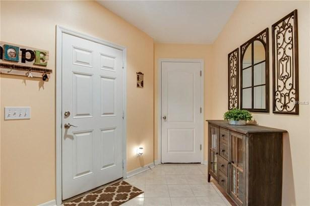 Single Family Residence, Contemporary - WESLEY CHAPEL, FL (photo 3)