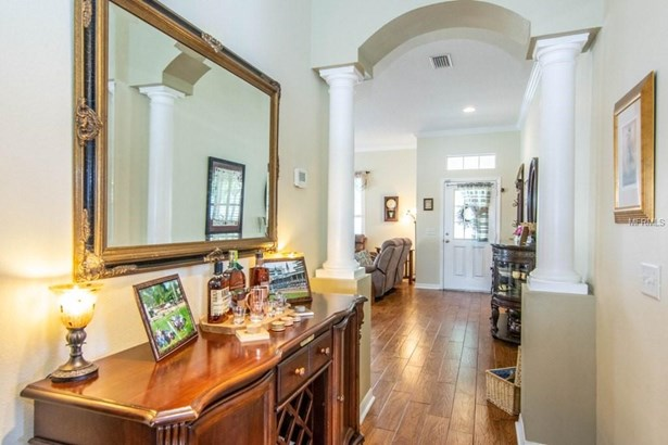 Single Family Residence, Bungalow - LUTZ, FL (photo 3)