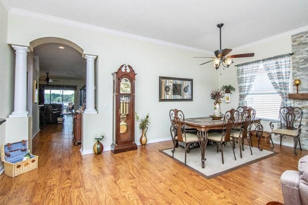 Single Family Residence, Bungalow - LUTZ, FL (photo 4)