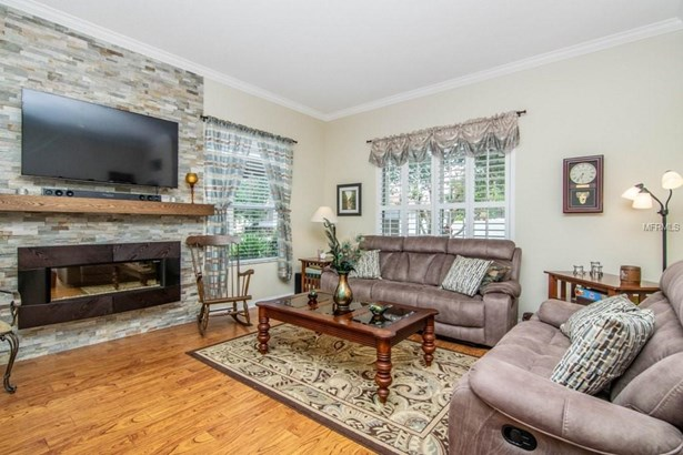 Single Family Residence, Bungalow - LUTZ, FL (photo 5)