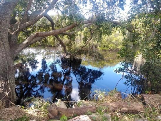 Land - TAMPA, FL