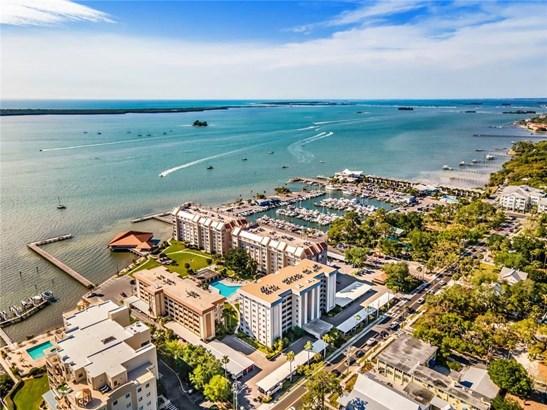 Condominium - DUNEDIN, FL