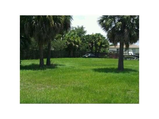 Home and Income Housing - APOLLO BEACH, FL (photo 1)