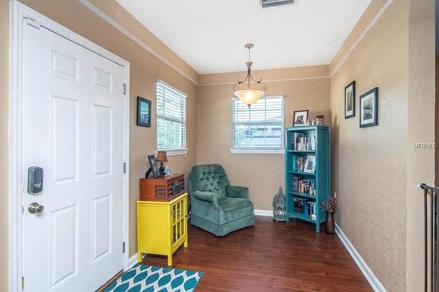 Single Family Residence, Bungalow - TAMPA, FL (photo 4)