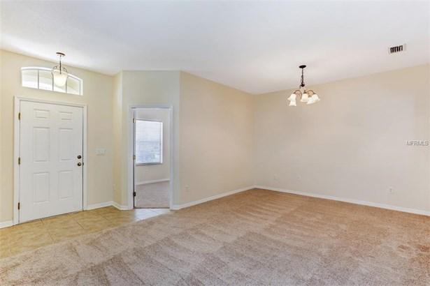 Single Family Residence, Contemporary - WESLEY CHAPEL, FL (photo 2)