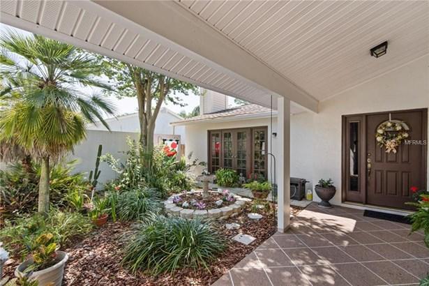 Single Family Residence, Contemporary - TEMPLE TERRACE, FL (photo 4)